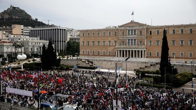 """Polícia grega localiza oito cartas """"suspeitas"""" semelhantes a bombas"""