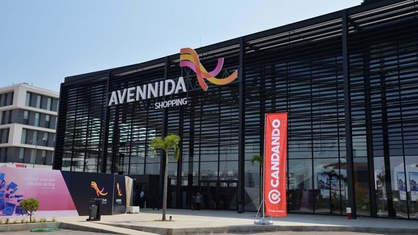 Isabel dos Santos abre segundo hipermercado em Luanda