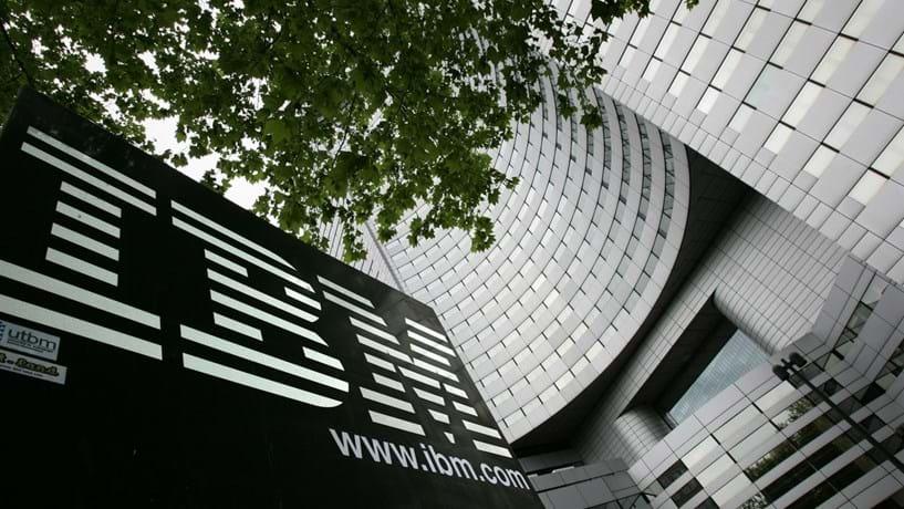 Lucros da IBM sobem no quarto trimestre e superam previsões