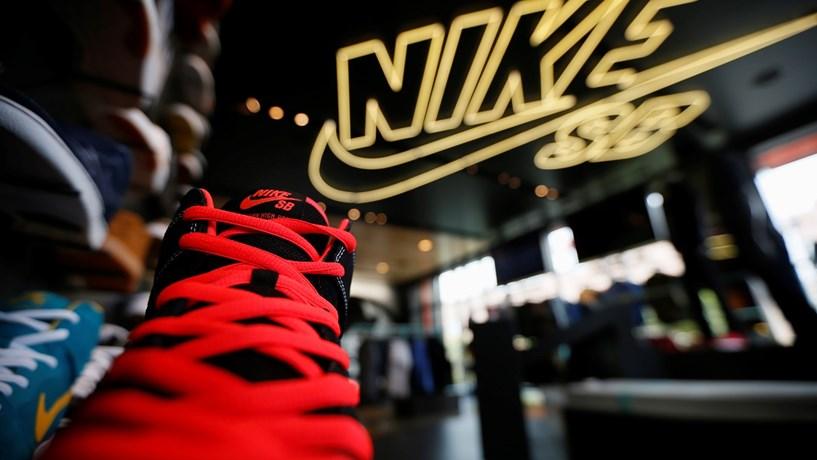 Lucros da Nike sobem 7% no terceiro trimestre