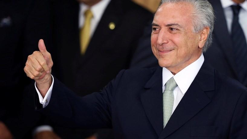 Polícia Legislativa retira manifestantes que invadiram Câmara dos Deputados do Brasil