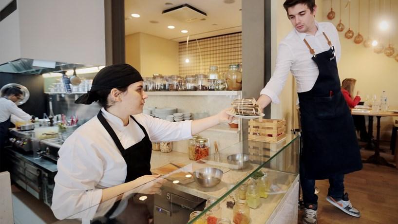 Como abrir um restaurante? Governo explica em guia online