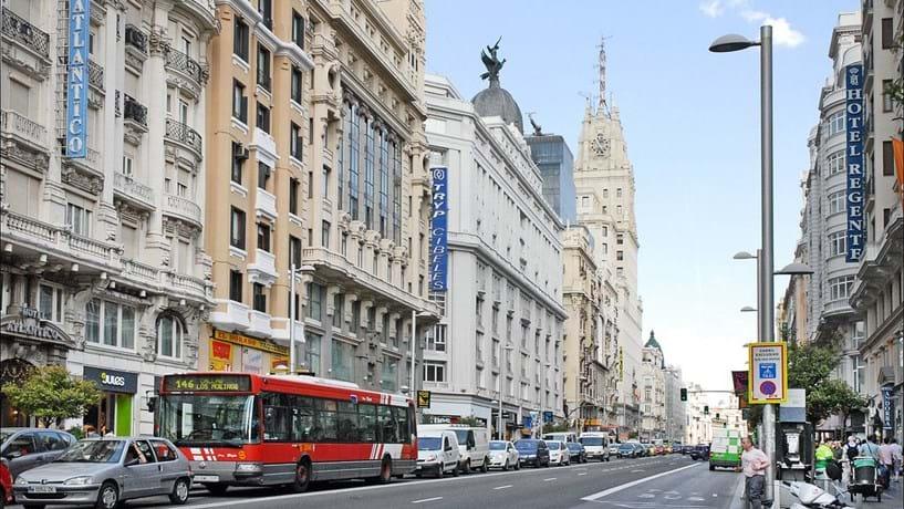 Madrid avança com plano para limitar automóveis no centro da cidade