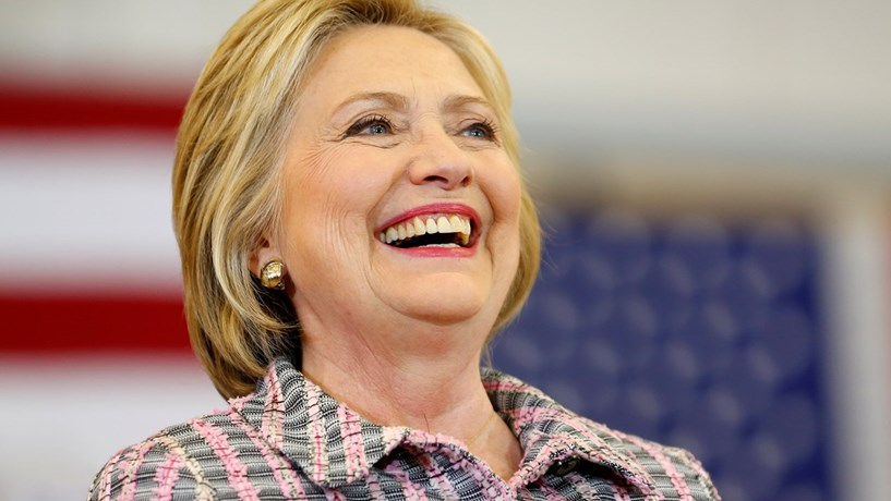 FBI iliba Hillary Clinton no caso dos emails