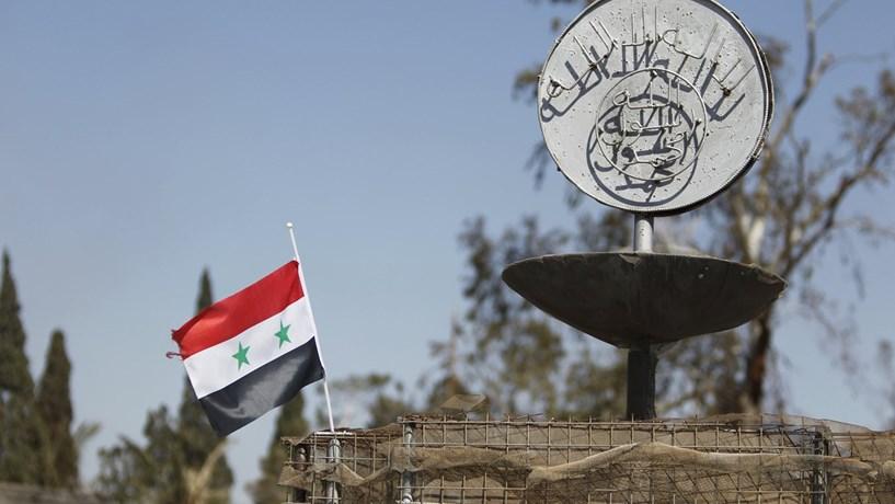 Exército sírio retoma controlo total de Alepo