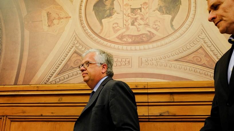 Governo isolado a defender reavaliação de imóveis pelas autarquias