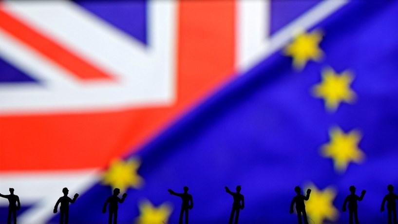 Parlamento britânico chumba emenda que protegia trabalhadores da UE no pós-Brexit