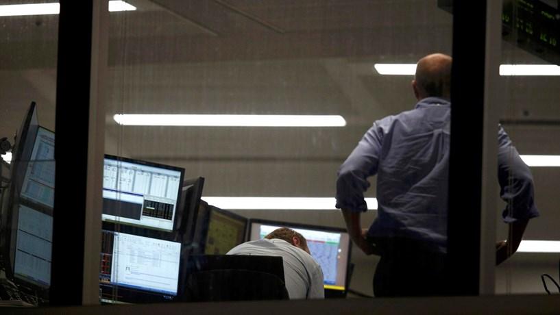 Abertura dos mercados: Bolsas europeias, petróleo e euro em queda