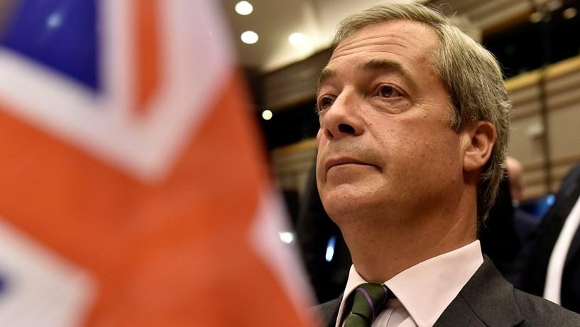 Nigel Farage: Mexidas nos mercados sugerem que estamos perante novo Brexit