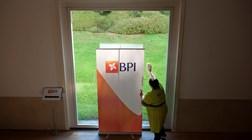 Lucro do BPI cresce 21% para 182,9 milhões de euros