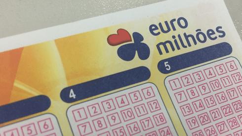 """Menos apostas reduzem super """"jackpot"""" do Euromilhões"""