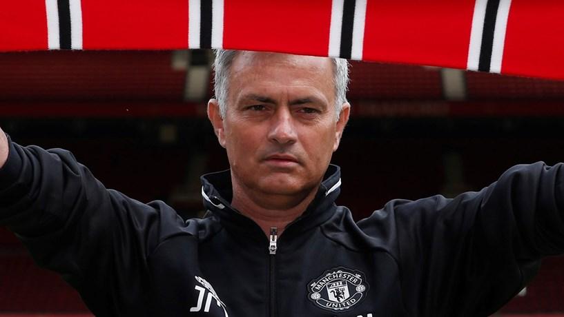 Relógio de Mourinho arrematado por 17.750 euros em leilão