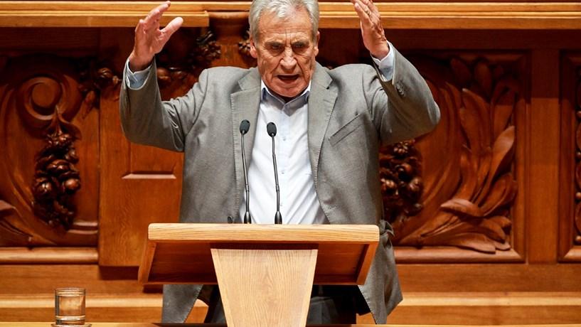 Jerónimo promete confrontar Costa sobre reformas após 40 anos de descontos