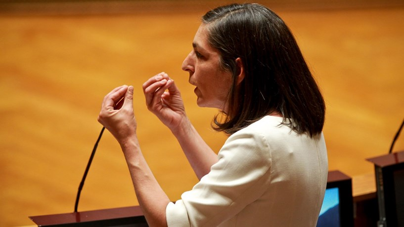 """PS acusa Passos de sucessivos """"ziguezagues"""" políticos e total """"desnorte"""" na TSU"""
