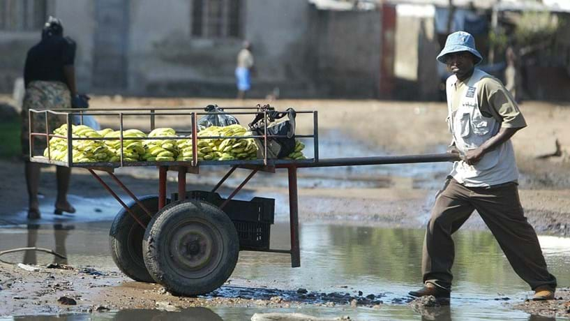 """Moçambique confirma """"default"""" e tenta solução junto do FMI"""