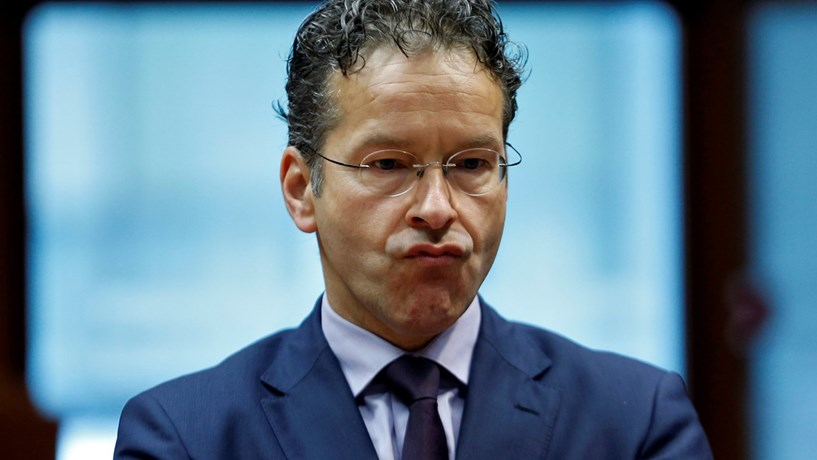 Eurogrupo sem acordo sobre mais dinheiro para Grécia e sem data marcada para alívio da dívida