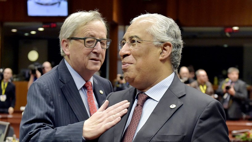 """Bruxelas exige a Portugal uma """"estratégia de consolidação"""" clara para 2017"""
