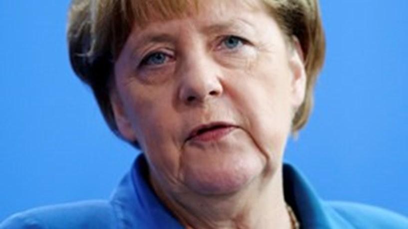Merkel adverte Londres que acesso recíproco a mercados é decisivo num acordo pós-Brexit