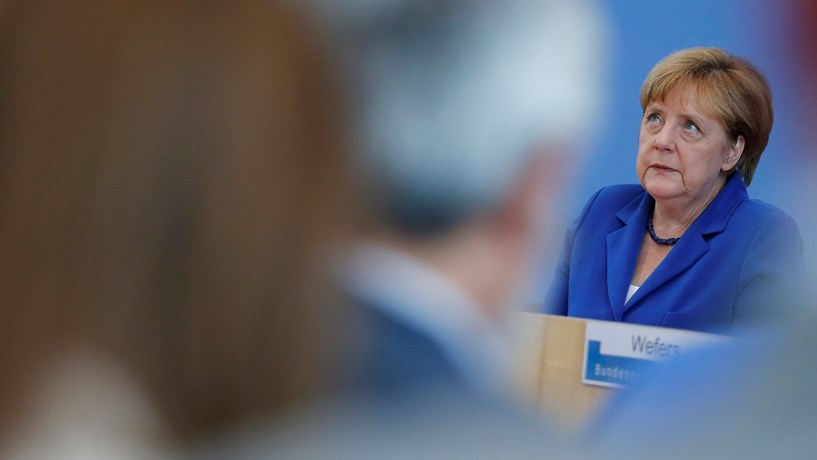"""Merkel: """"A Alemanha é mais forte do que o terrorismo"""""""