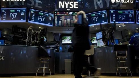 Política nos EUA centra atenções dos investidores e pressiona bolsas
