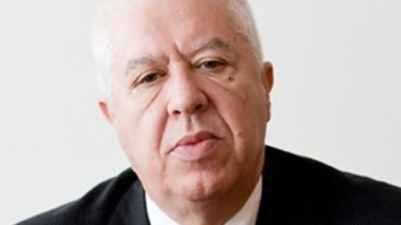 """Teixeira dos Santos: """"É mais fácil ter contas públicas sãs dentro do euro"""""""