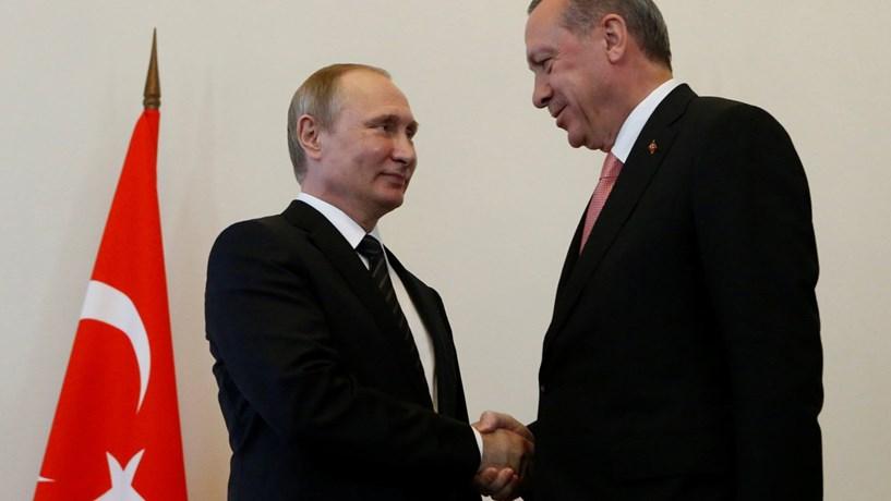 Erdogan sugere saída de mais países da União Europeia