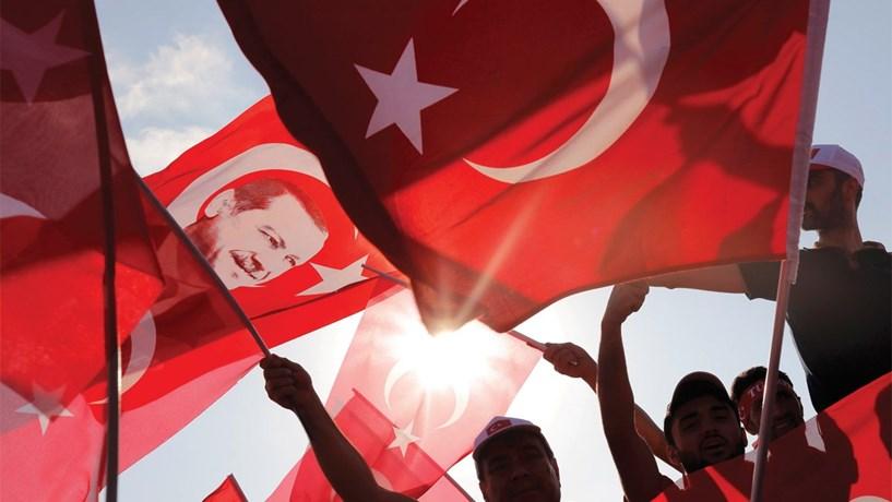 Turquia: Autoridades detêm mais de 1.500 pessoas para interrogatório na última semana