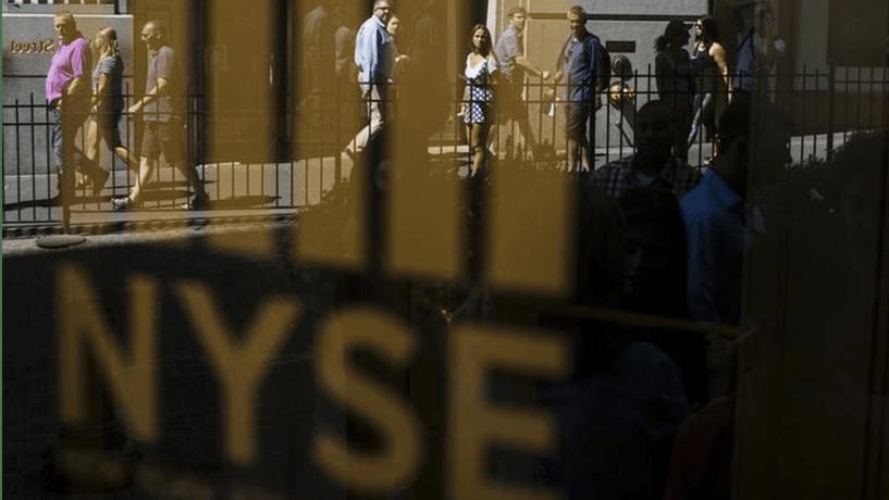 Dados económicos e resultados de empresas deixam Wall Street em terreno misto
