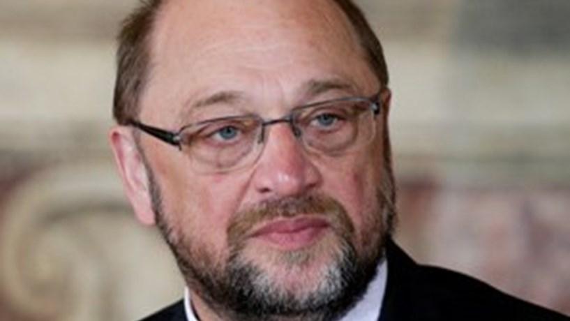 Schulz desiste de enfrentar Merkel