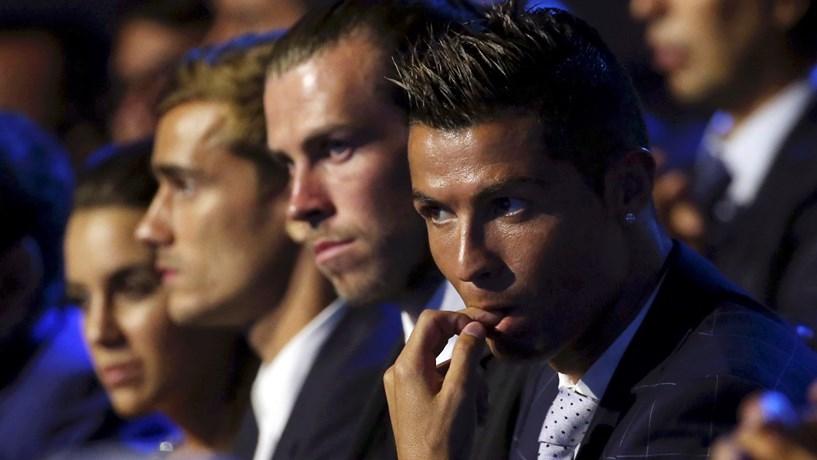 Cristiano Ronaldo renova com Real Madrid