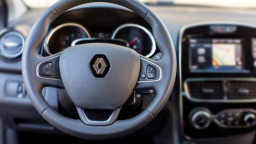 Renault investigada em França por suspeita de fraude nas emissões. Acções afundam 6%
