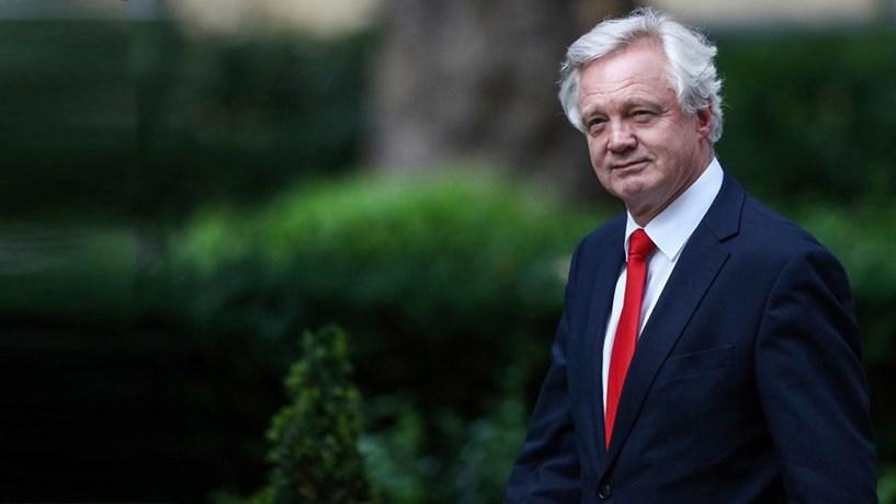 Na semana decisiva para o Brexit admite-se plano de contingência para um não acordo