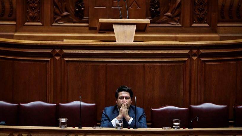 Governo coloca no Banco de Portugal futuro do Novo Banco
