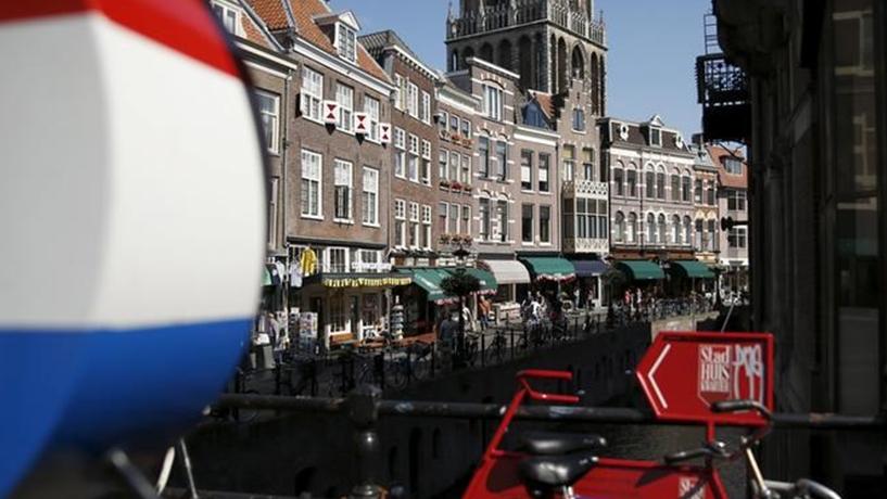 Holandeses vão a votos