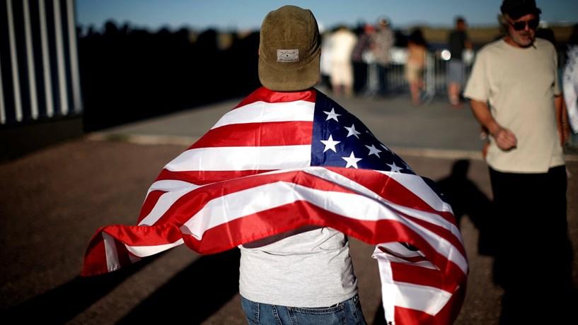 Taxa de desemprego sobe nos EUA e economia cria menos empregos