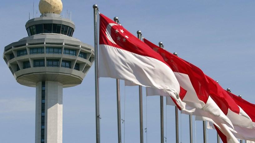 Singapura inicia testes de autocarros autónomos
