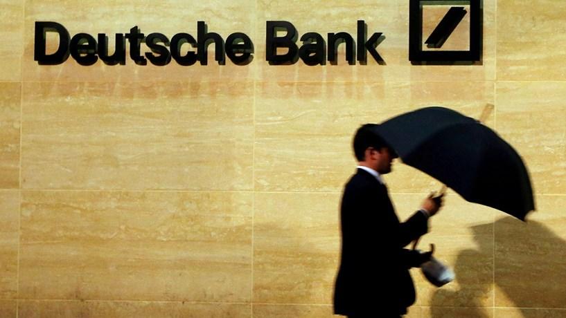 Deutsche Bank paga 7,2 mil milhões dólares para fechar processos judiciais EUA