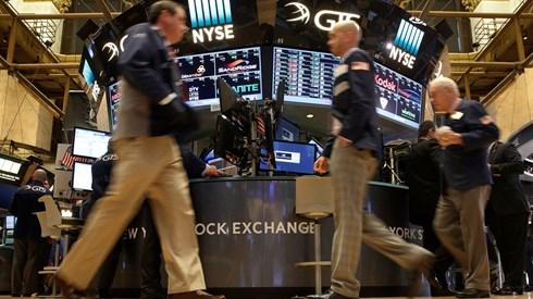Bolsas norte-americanas contrariam Europa e abrem no vermelho