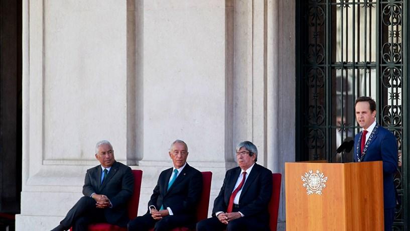 Medina celebra a República com elogios à geringonça e a Marcelo