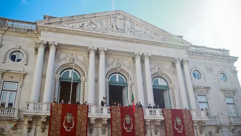 Lisboa mantém IMI no mínimo e devolve 2,5% do IRS aos moradores em 2017