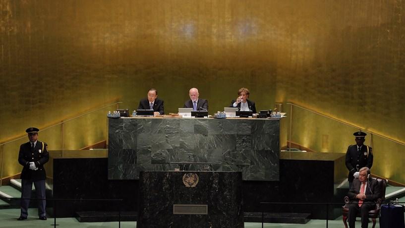 """Guterres defende """"visão não tecnocrática"""" para atingir objectivos ONU"""