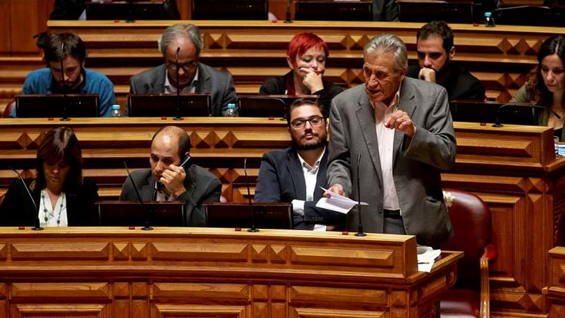 Jerónimo defende política de esquerda sem transigência para com Governo PS