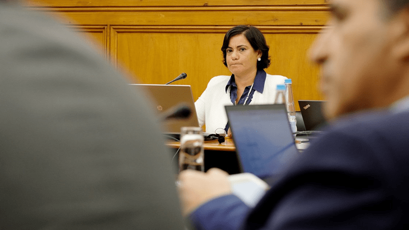 Nova presidente assume posto mas CMVM fica incompleta