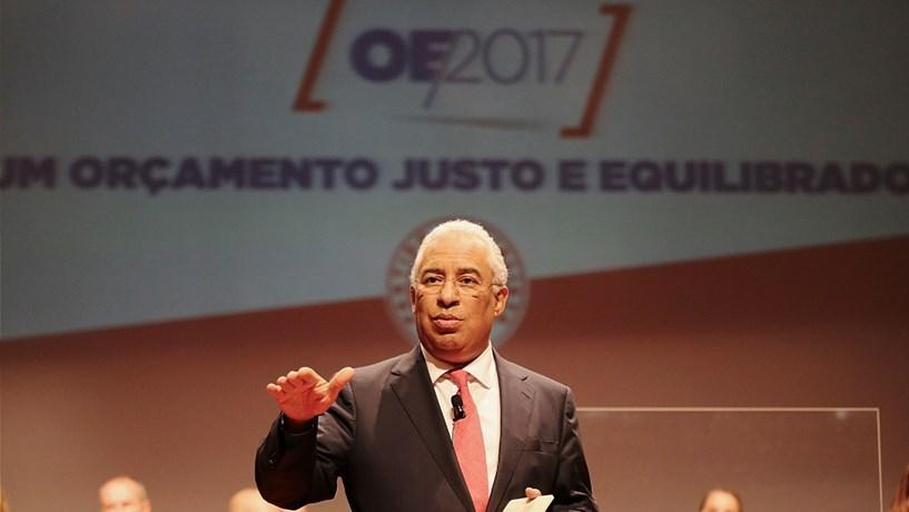 "António Costa: ""Está aí o turismo para puxar pelo alojamento local"""