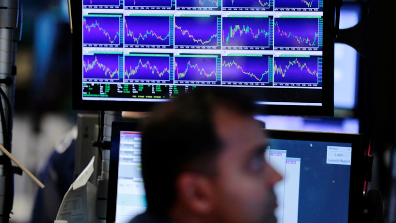 Fecho dos mercados: Juros da dívida aliviam após emissão. Trump tira força ao dólar e dá brilho ao ouro