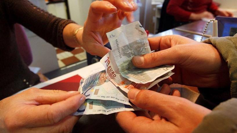 Trump e Alemanha levam euro para níveis de Dezembro