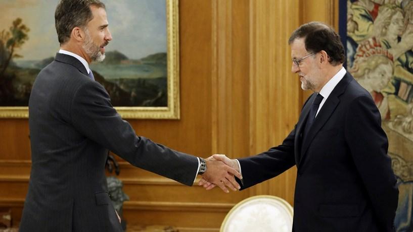 """Rajoy aceita encargo do rei e vai tentar formar governo """"estável"""""""