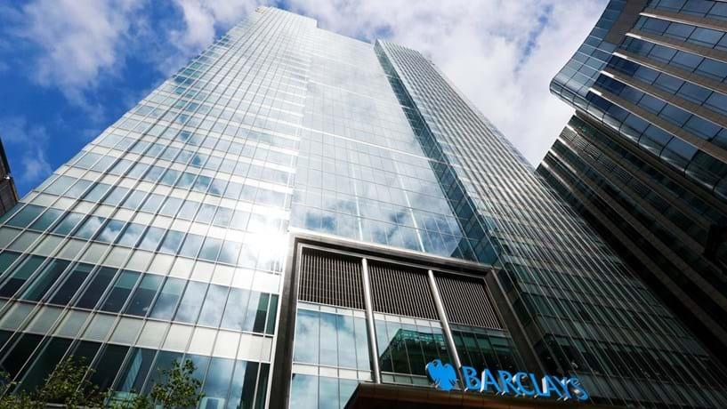 Barclays vai pedir a sete mil clientes para intensificarem transacções ou saírem do banco