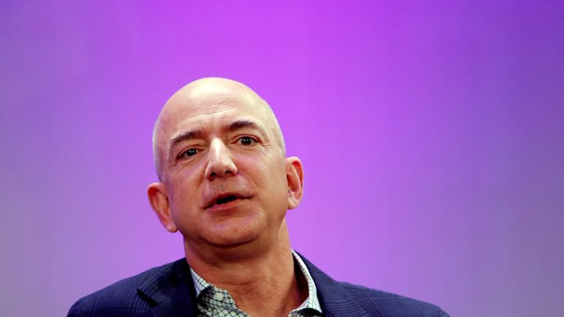 Bezos: Queria ir para o espaço mas fez fortuna a vender livros