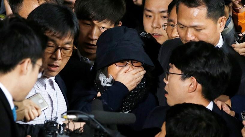 Escândalo político leva presidente da Coreia do Sul a fazer remodelação